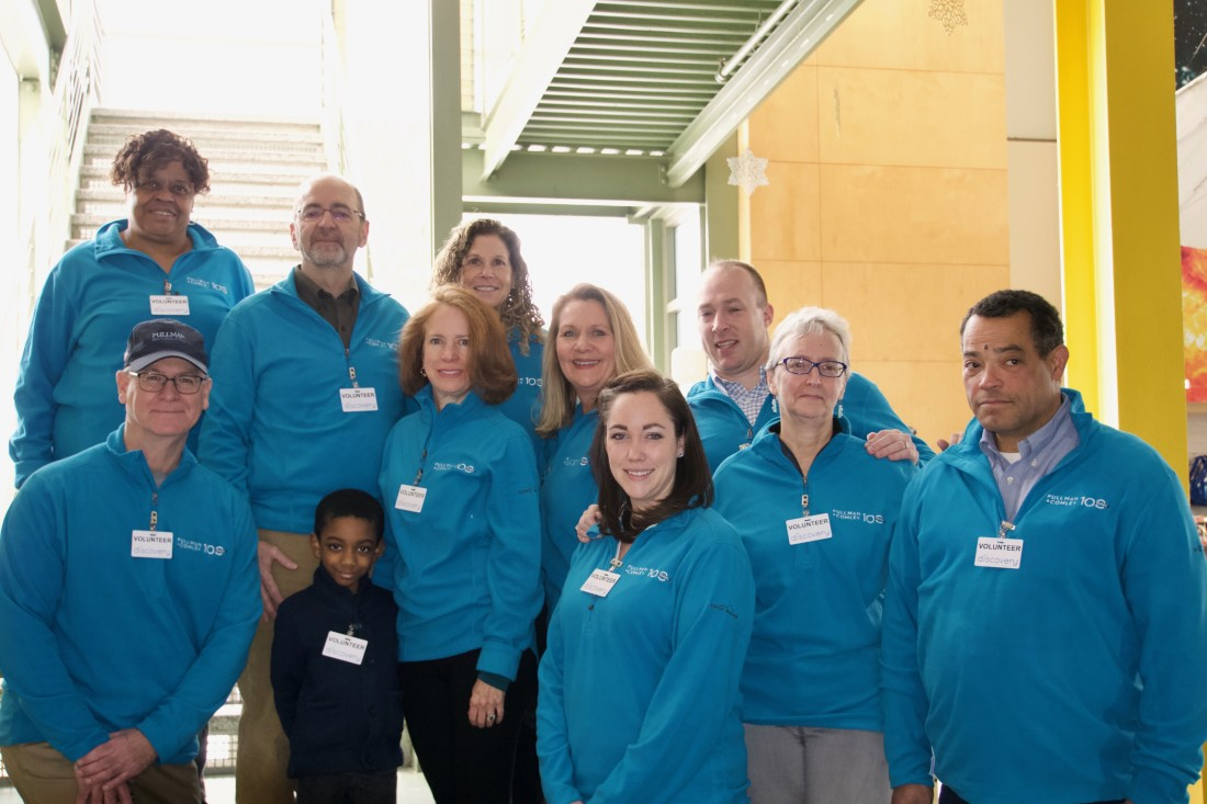 picture of Pullman & Comley attorneys and staff volunteering at The Discovery Museum